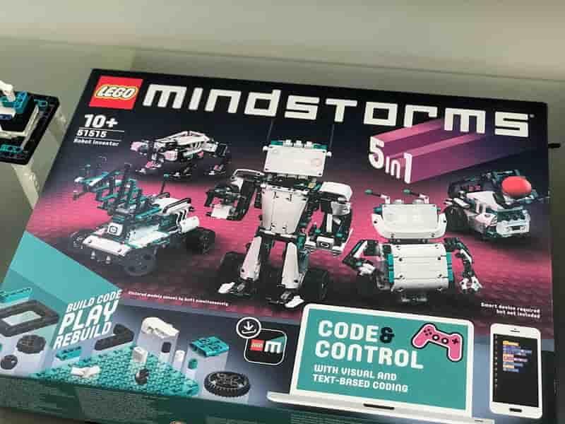 LEGO Mindstorms 51515 Box